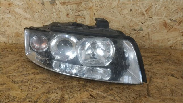 Audi A4B6 Lampa Prawa Przód