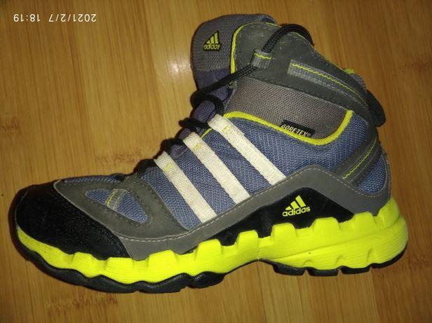 Продам детские высокие кроссовки ADIDAS размер 33 мембрана GORE-TEX