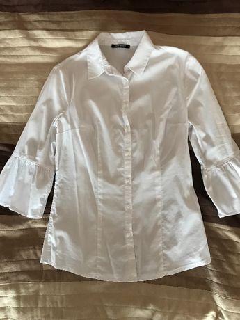 Koszula z bufiastym zakończeniem rękawów