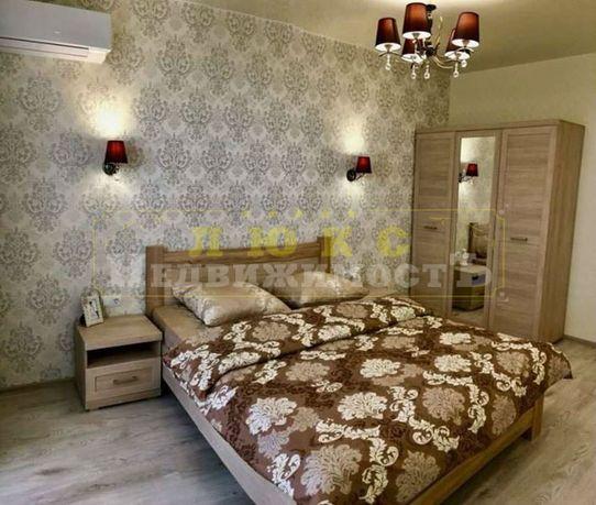 Сдам квартиру кухня-студия + спальня в ЖК Среднефонтанский, евроремонт