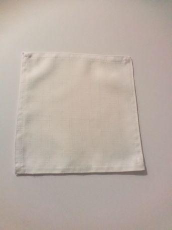 Serwetki białe plamoodporne 20x20 materiałowe