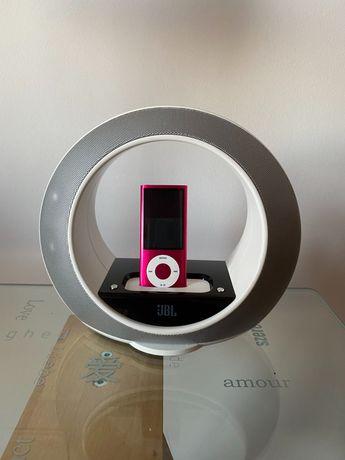 Coluna JBL e iPod nano