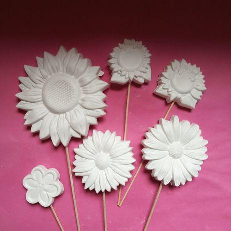 Gipsowe kwiatki na patyku. Do malowania