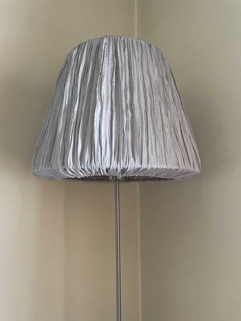 Candeeiro de pé alto com abajure em tecido, como novo - 45 euros