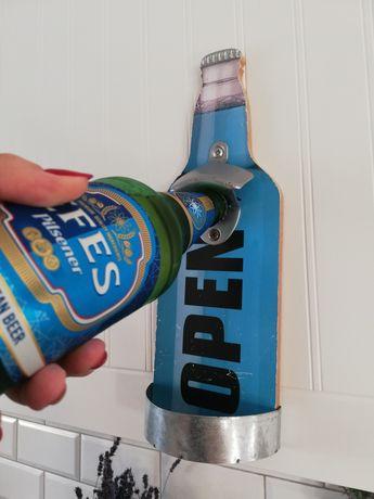 Otwieracz do butelek na ścianę