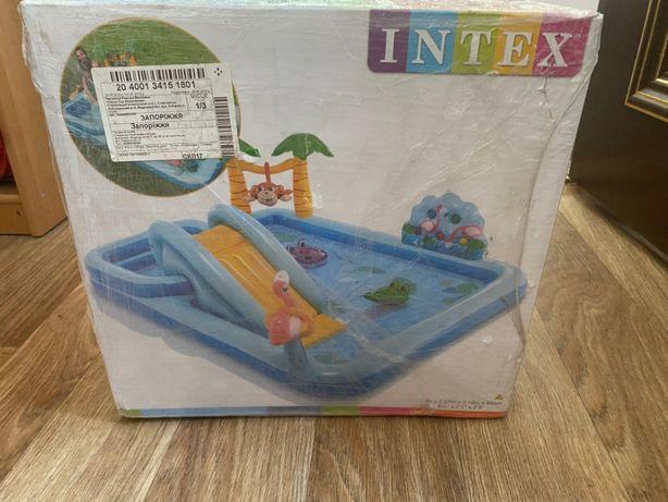 Надувной игровой центр Intex,Джунгли, горка, 680 литров