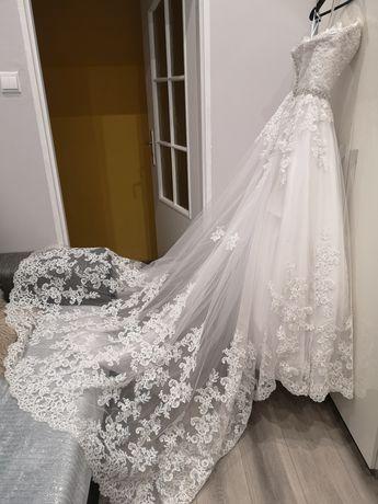 Suknia ślubna kryształki cyrkonie mocno zdobiona tren