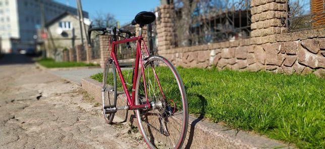Шосейник, шосер, велосипед.