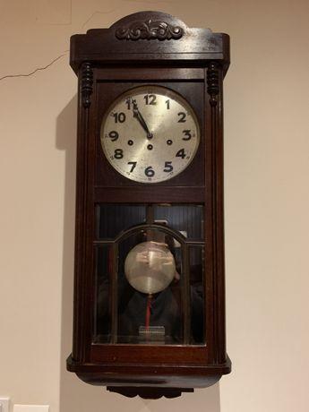 Relógio de parede e corda antigo Jughans