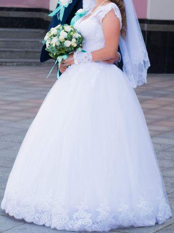 Весільна сукня:)
