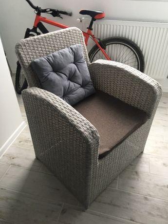 Крісло плетене
