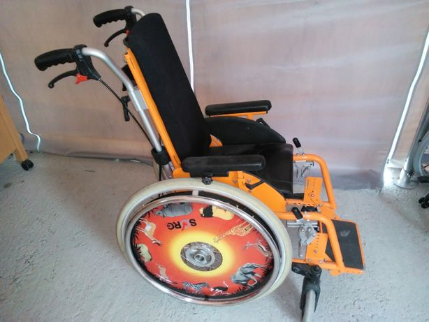Wózek inwalidzki dziecięcy sorg dla dziecka kolorowy