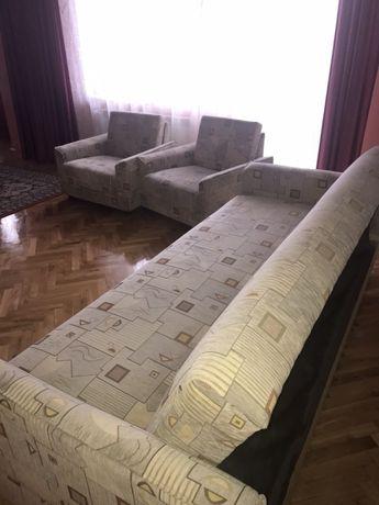 Komplet: sofa rozkładana plus dwa fotele