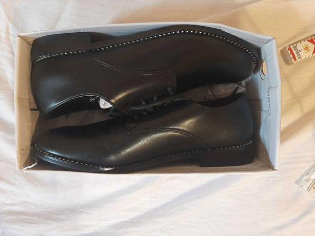 Продам новые женские туфли