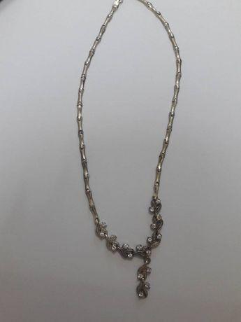 Продам очень красивое серебрянное колье и браслет-Италия