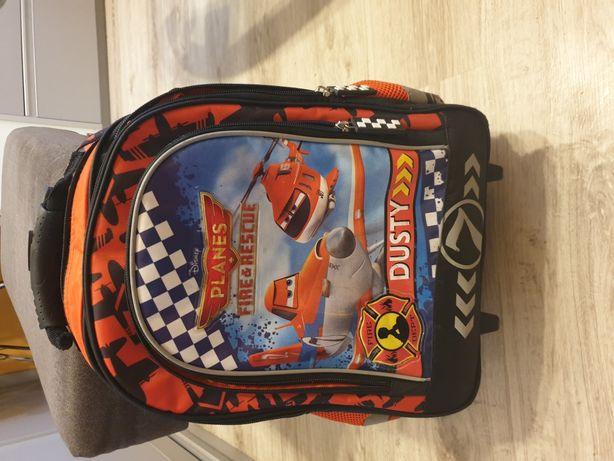 Sprzedam plecak używany 3 tygodnie jak nowy