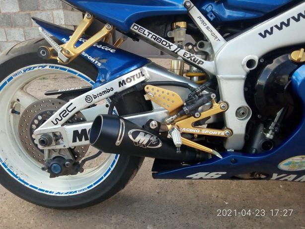 Yamaha R1 2002 год