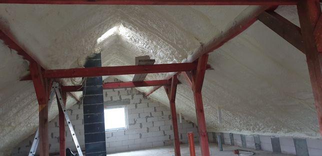 ocieplenia poddaszy pianką, Izolacje dachu pianką poliuretanową