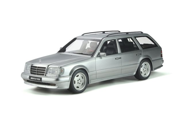 Model 1:18 Otto Mercedes-Benz S124 E36 AMG 1995