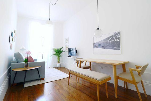 Apartamento T1 mobilado na Rua Mouzinho da Silveira