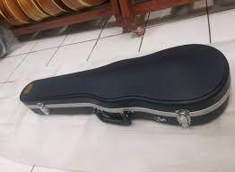 Vendo caixa dura para violino (dá até 1/2)