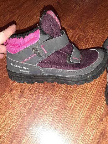 Ботинки Quechua на девочку р 29стелька 18см термо новые