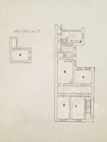 Продам 4-х комнатную квартиру в центе ( р-н Нового рынка)