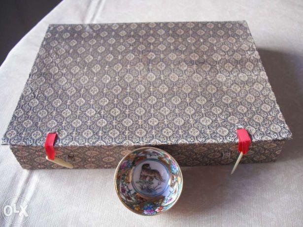 Decoração - Conjunto de copos chineses em estojo de seda