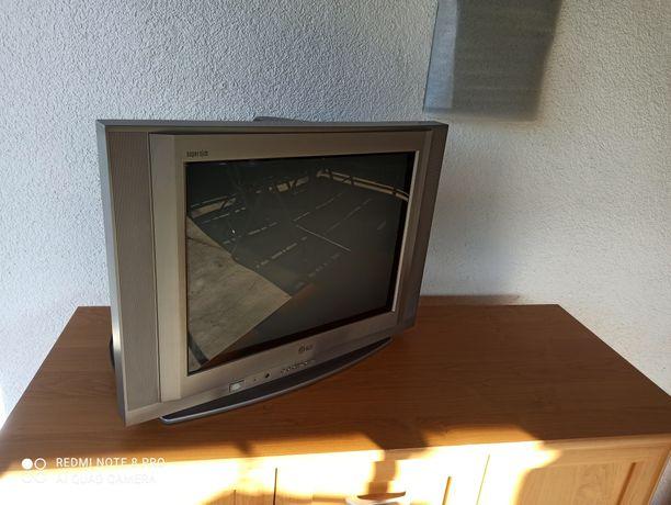 "Telewizor 21"" LG super slim"