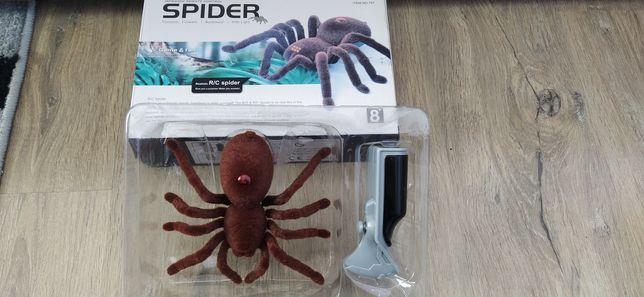 Іграшка для хлопчиків павук