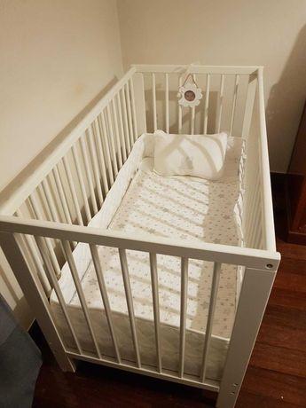 Cama de bébé IKEA