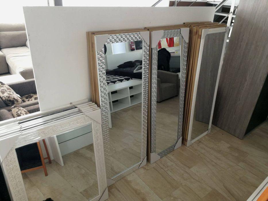 Espelho quadrado com vários padrões