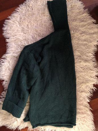 Camisola de lã verde com gola alta