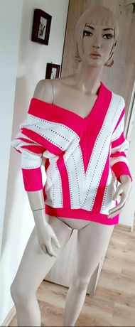 Dwukolorowy sweter fuksja