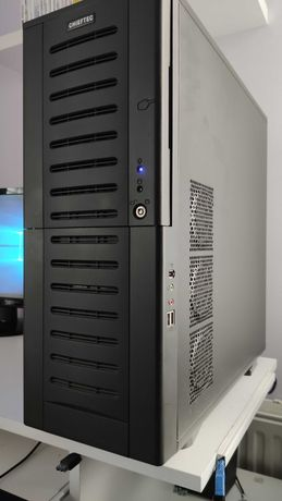 Komputer Intel Core i5 2500 / 12GB / GeForce GTX670 / SSD + monitor