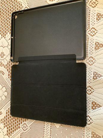 Etui czarne do iPada 10.2