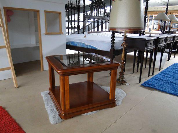 Mesa de centro em madeira com tampo em vidro - óptimo estado