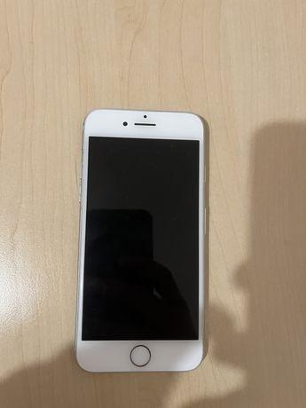 Продам iPhone 7 32gb Silver