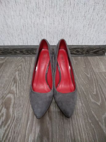 Туфли вторая вещь в подарок 1+1