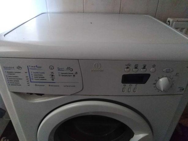 Sprzedam pralkę w stanie. Bardzo dobrym.
