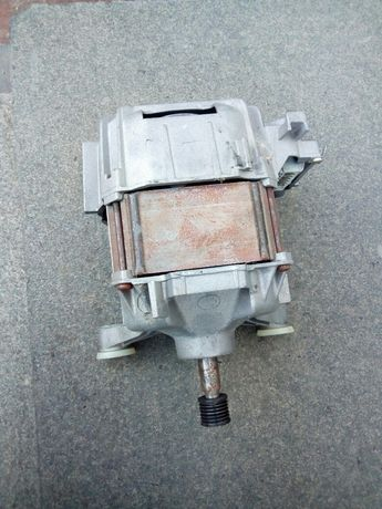 Двигатель стиральной машины Bosch