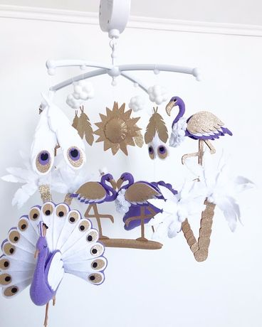 Королевский мобиль фламинго с павлинами