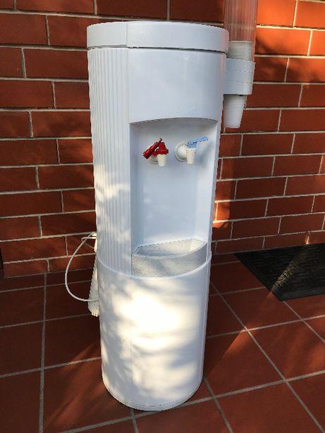 Dystrybutor wody z 2 filtrami, gorąca i zimna woda, Waterbar