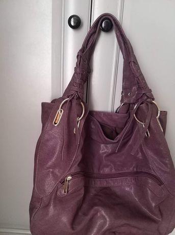 Fioletowa torebka na ramie