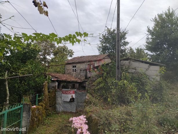 Moradia para restauro em Figueira, Penafiel