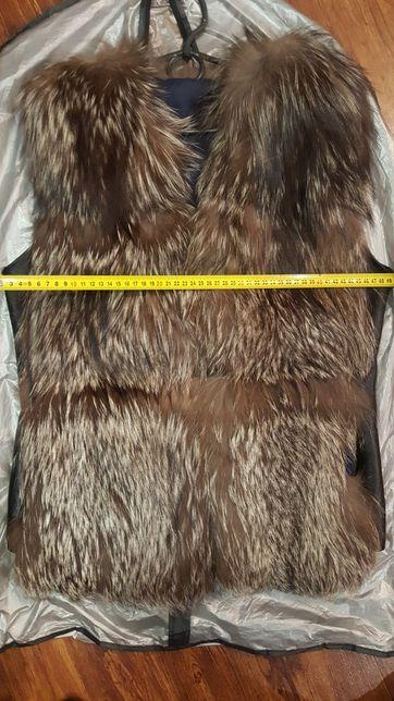 Меховая жилетка з чорнобурки