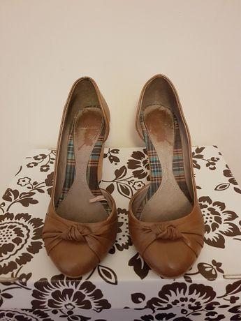 Sapatos vários modelos