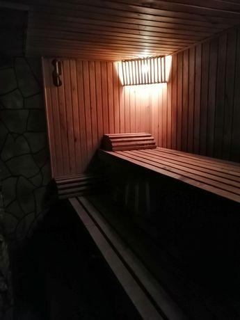 Баня на дровах та домашня кухня.