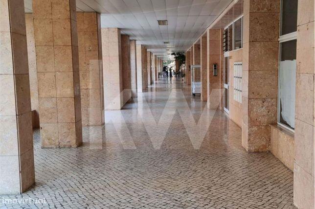 Loja Centro Solum | Comércio/Serviços | 49m2 | Rua António Feliciano D