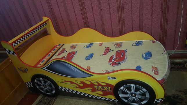 Дитяче ліжко-автомобіль
